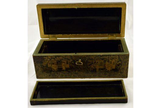 Caja lacada abierta