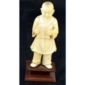 Niño chino marfil