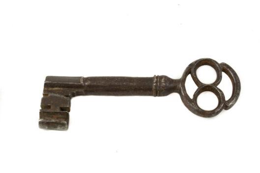 Cerradura hierro llave